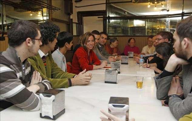 """noticias Chacón: """"Rajoy no da la cara ante los españoles pero sí inclina la cabeza ante Merkel"""""""